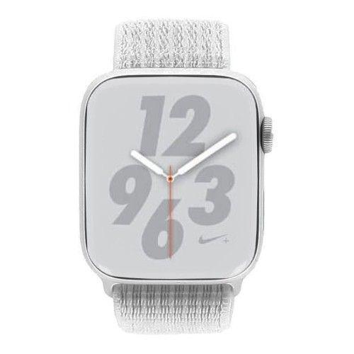 Apple Watch Series 4 Nike+ - boîtier en aluminium argent 44mm - boucle sport blanche (GPS)
